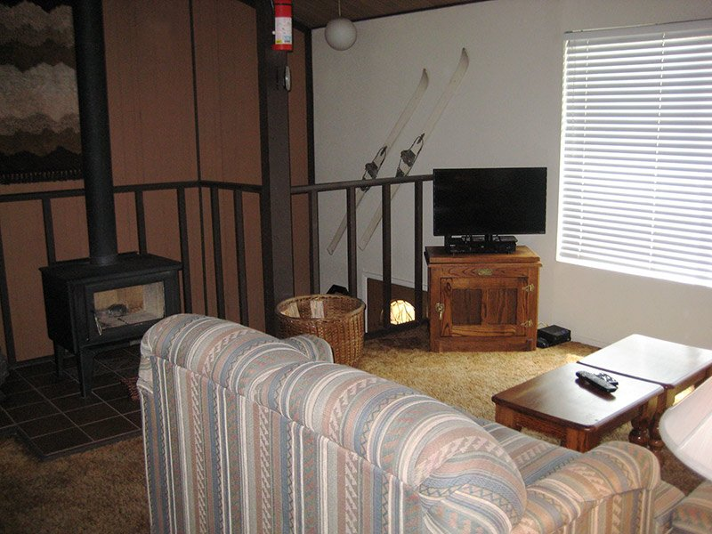 Living Room with Flat Screen TV - Timberline - TL032 - Mammoth Lakes - rentals