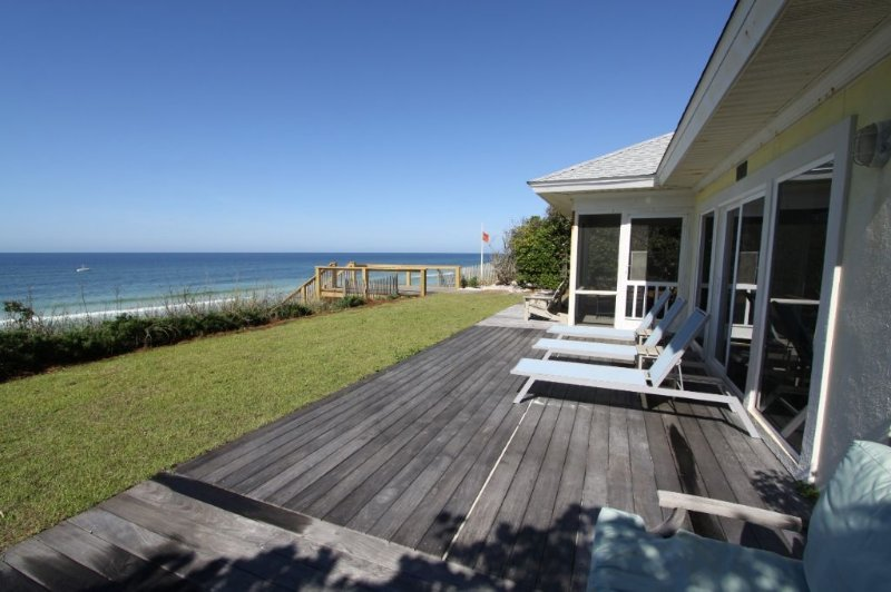Yellow House Sits Directly on the Gulf of Mexico - Yellow House - Seagrove Beach - rentals