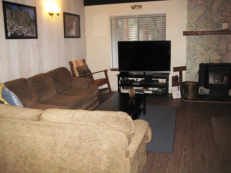 Living Room - Horizons 4 - HZ138 - Mammoth Lakes - rentals