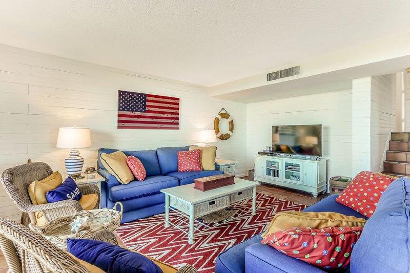 Living Area - Beachwalker 1112 - Amelia Island - rentals