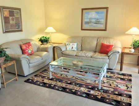 Bright and Cheery Living Area with Sleeper Sofa - Doveplum 623 - Siesta Key - rentals