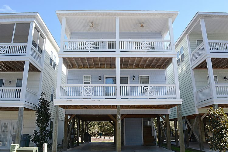 Exterior - Howdy-Do - SAVE UP TO $113!! Pet Friendly w/ Pool Access. - Surf City - rentals