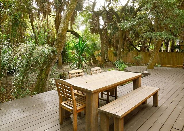 Back Patio - Bamboo Breeze - Pet-Friendly Tropical Getaway - Folly Beach - rentals