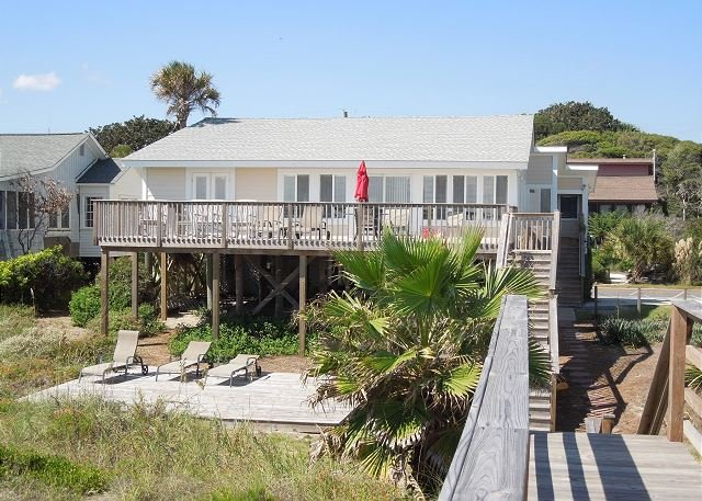 Exterior Facing Ocean - Just Beachy- Classic Oceanfront House with Large Sundeck - Folly Beach - rentals