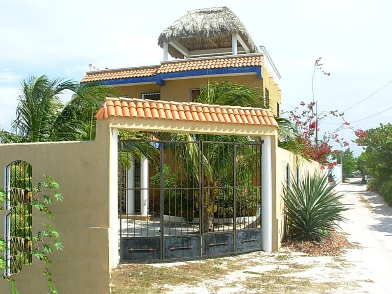 Entrance gate to the property - Casa Maya Chelem, Yucatan - Chelem - rentals