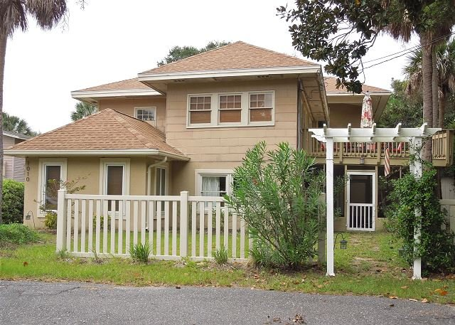 Sea Pearl - Sea Pearl - Large Beach Home with Great Kitchen - Folly Beach - rentals