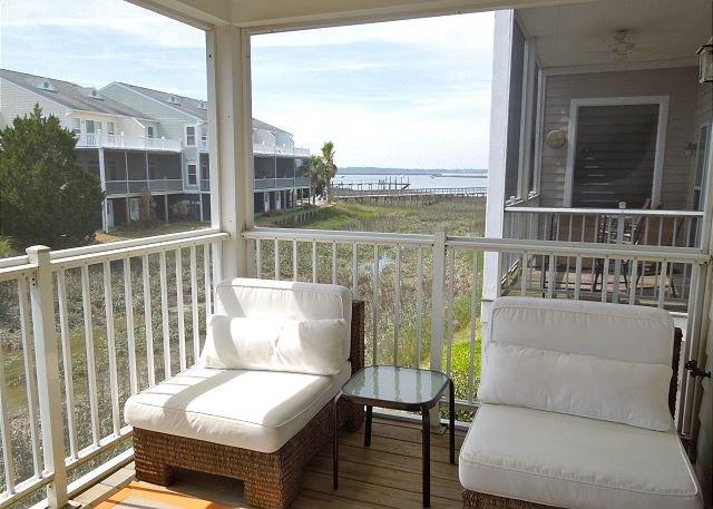 Screened Porch w/Beautiful River Views!! - Water's Edge 111 - Enjoy both River and Marsh Views - Folly Beach - rentals