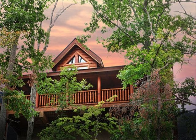Cabin Exterior - Rustic Cabin With Majestic Mtn. Views, Deck, Game Room, Jacuzzi, Amenities - Sevierville - rentals