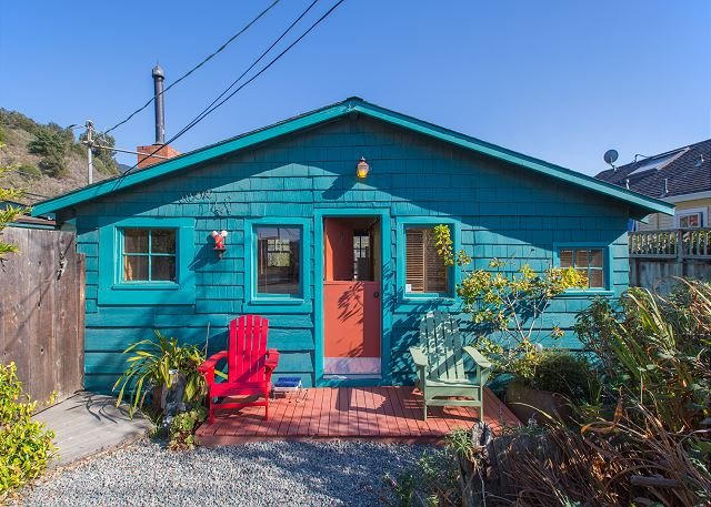 Classic beach cottage just steps from the ocean. - Image 1 - Stinson Beach - rentals