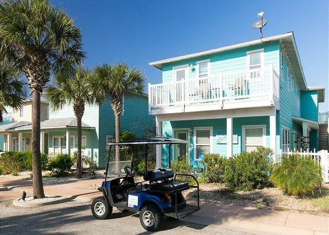 Free Golf Cart - Sea La Vie: Close to Beach, Gated, 2 master suites, Pool, *Free Golf Cart - Port Aransas - rentals