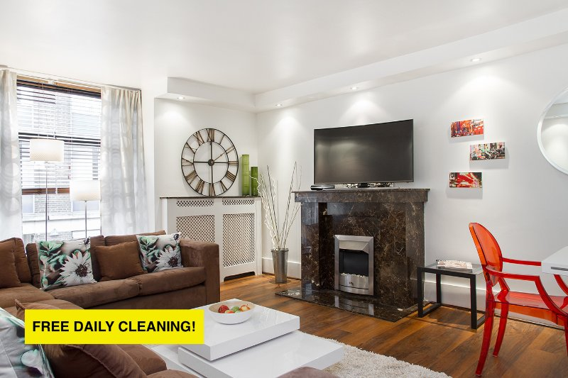 MYLADY*OXFORD Street*3bed/2bath*QUIET and SAFE*LARGE LIVING ROOM - Image 1 - London - rentals