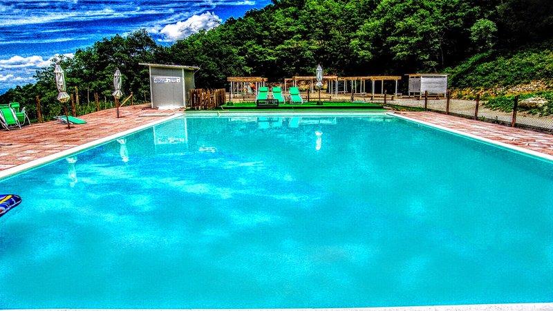 Villa Marianna - sleeps 25, Spoleto centre 7 miles - Image 1 - Spoleto - rentals