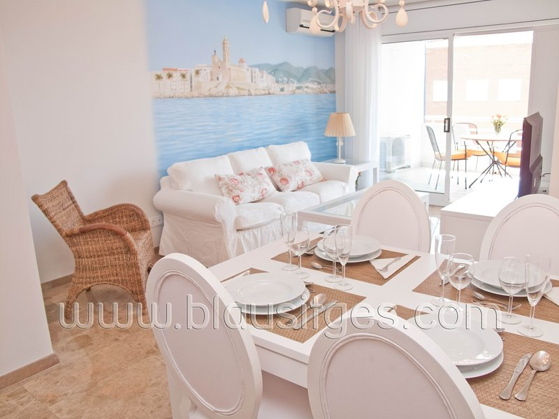 Elegant apartment with pool in Sitges. - Image 1 - Sitges - rentals