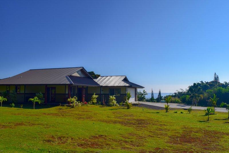 This brand new 3 bedroom, 2 bath home sleeps 6 guests. - Kahawai Hale - Papaikou - rentals