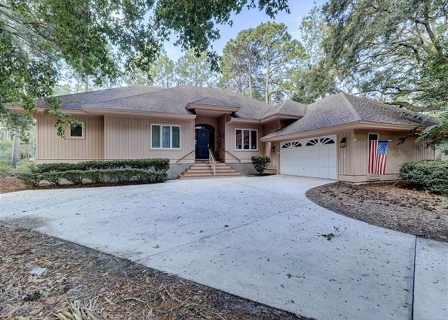 Topside 6 - 3 Bedroom Beach home with Private Pool and easy Bike ride to the Beach! - Hilton Head - rentals
