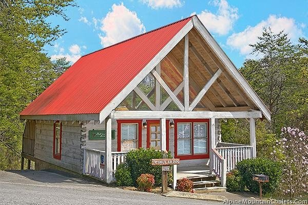 Adorable Shut'er Inn - Image 1 - Pigeon Forge - rentals
