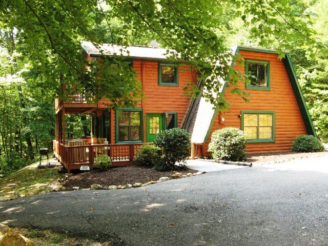 Dancing Bear Lodge - Image 1 - Sevierville - rentals