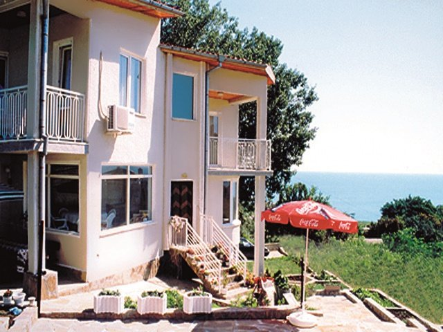 Relaxing villa close to the beach - Image 1 - Byala - rentals