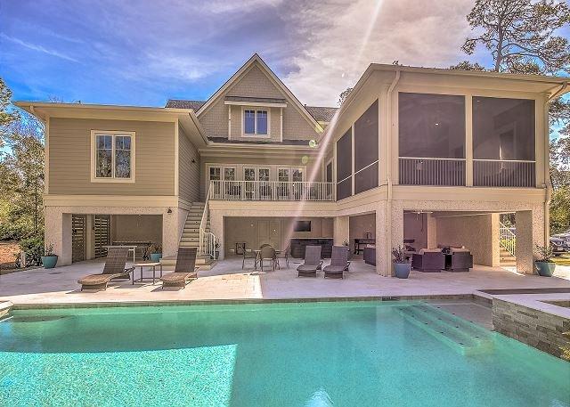 Exterior - 4 Fox Grape - Amazing 6 bedroom home close to the beach! - Hilton Head - rentals