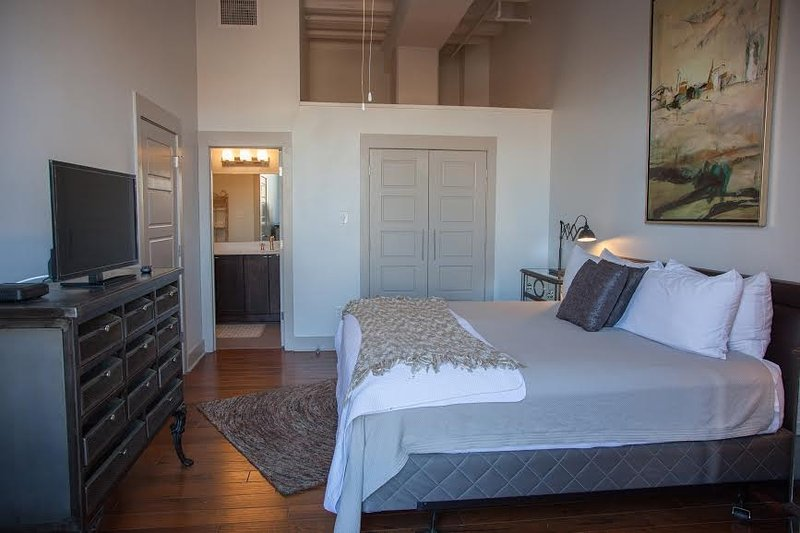 King Master Bedroom - Luxury French Quarter Rental 50 ft off  Bourbon w/ Pool/Gym - Chateau Catalina - New Orleans - rentals
