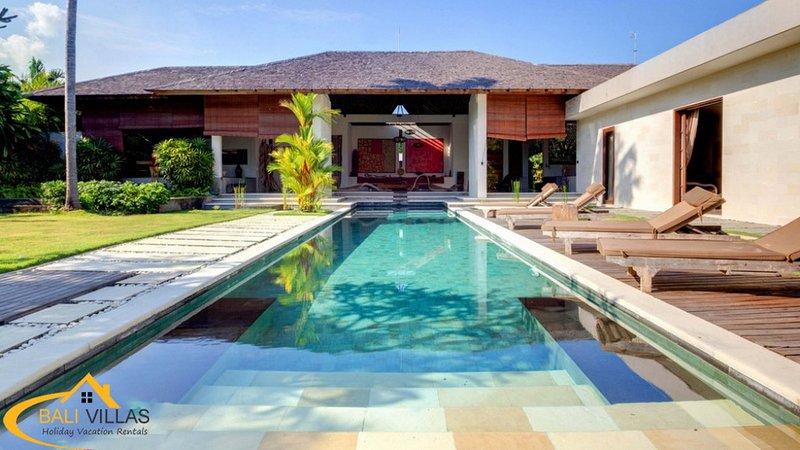 Arte, Luxury 3 Bedroom Villa, Large Pool, Central Seminyak - Image 1 - Seminyak - rentals