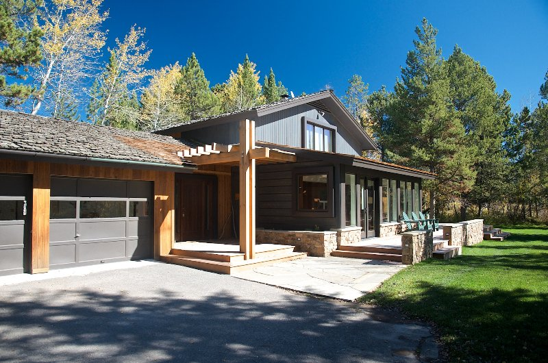 Welcoming Entry - Lake Creek Ranch Home - Wilson - rentals