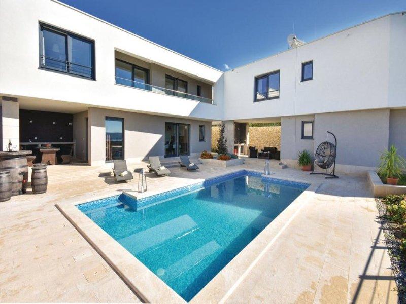 6 bedroom Villa in Trogir-Kastel Sucurac, Trogir, Croatia : ref 2302523 - Image 1 - Kastel Sucurac - rentals