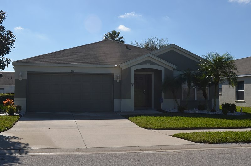 Front of Property - Welcome to our Touch of Paradise by the Lake - Bradenton - rentals