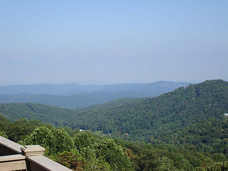 Mountain Hideout (BRV 27) - Image 1 - Blowing Rock - rentals