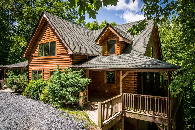 Freedom Lodge - Image 1 - Blowing Rock - rentals
