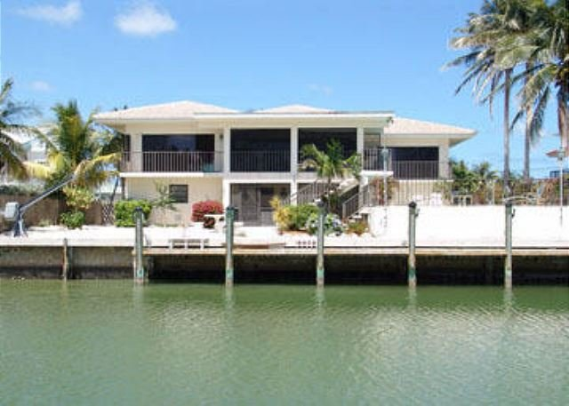 b canal to backyard - Charming home with pool and canal in Key Colony Beach! - Key Colony Beach - rentals