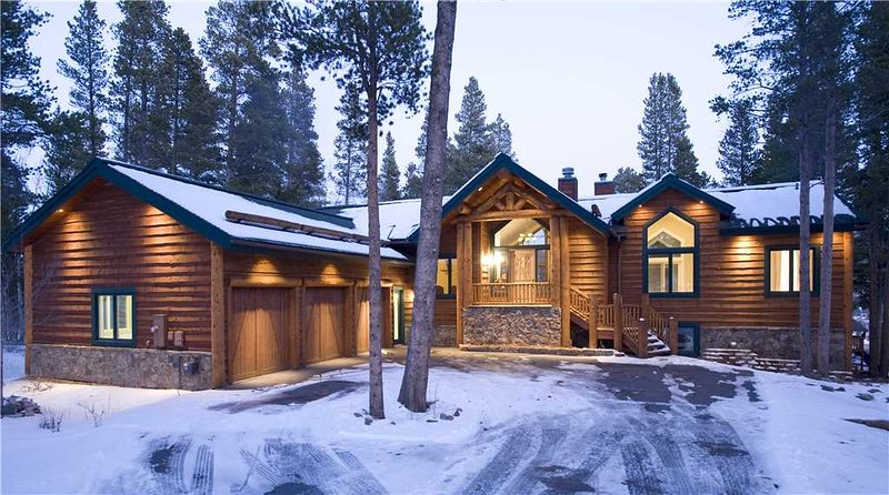 It's called LOOKOUT LODGE for a reason!  Amazing town views, private hot tub. - Image 1 - Breckenridge - rentals