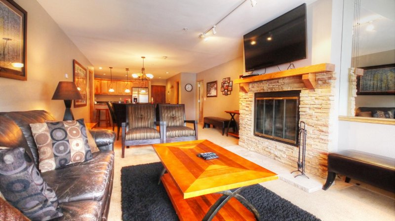 "SkyRun Property - ""MP706 Mountain Plaza"" - Living Room - MP706 Mountain Plaza - Copper Mountain - rentals"