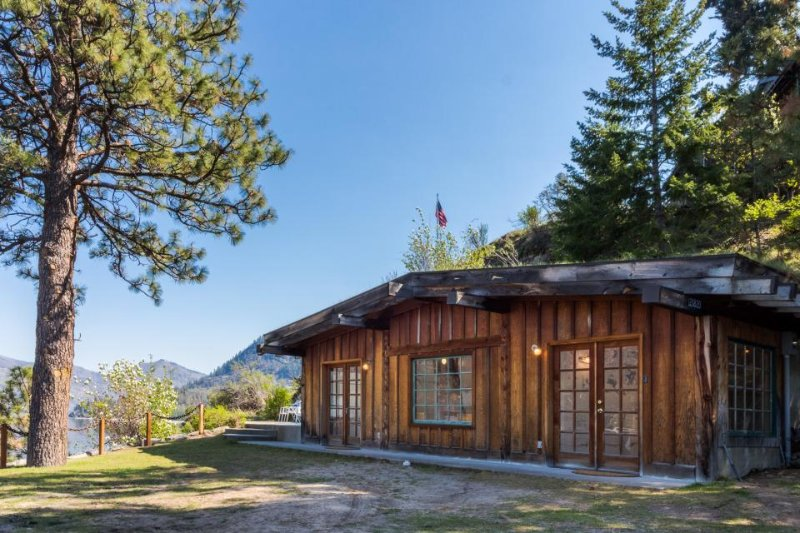 Secluded and cozy, private lakefront home w/ dock and amazing views! - Image 1 - Manson - rentals