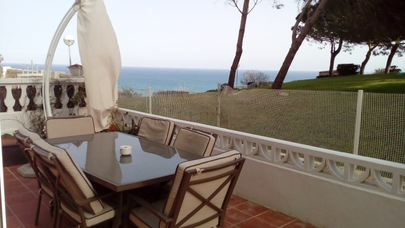 GRAN ALACANT, SEA VIEWS, WIFI, HEATING & SPORT - Image 1 - Gran Alacant - rentals