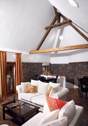 LLAG Luxury Vacation Apartment in Ediger - 753 sqft, historic, spacious, sauna - Image 1 - Ediger-Eller - rentals