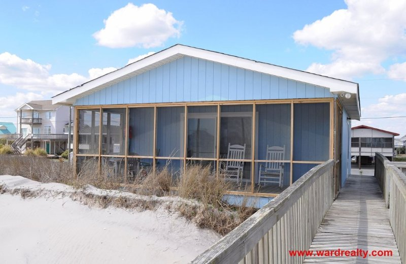 Oceanfront Exterior w/ Screened Porch - Nepenthe - Surf City - rentals