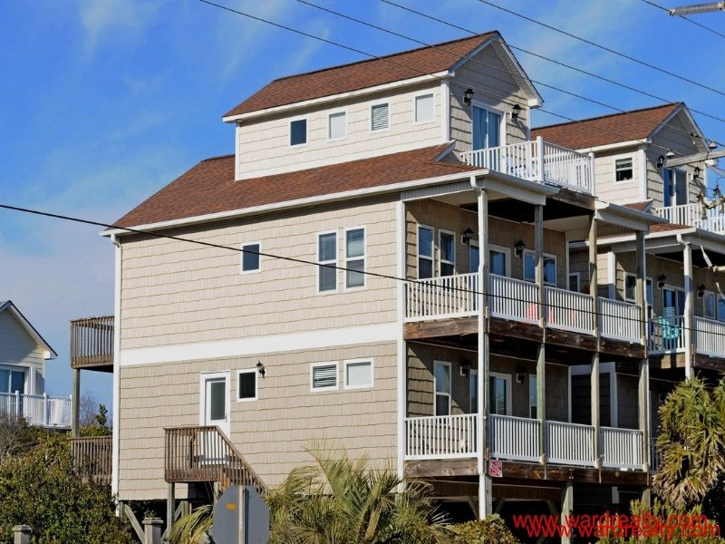 Barefoot Bumblebee - formerly Karma's A Beach - Barefoot Bumblebee - Surf City - rentals