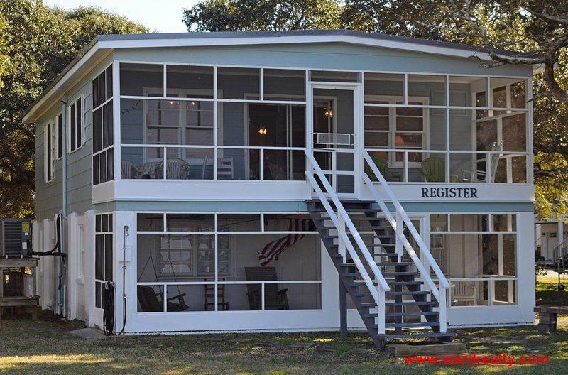 Soundside Exterior - Register - Surf City - rentals