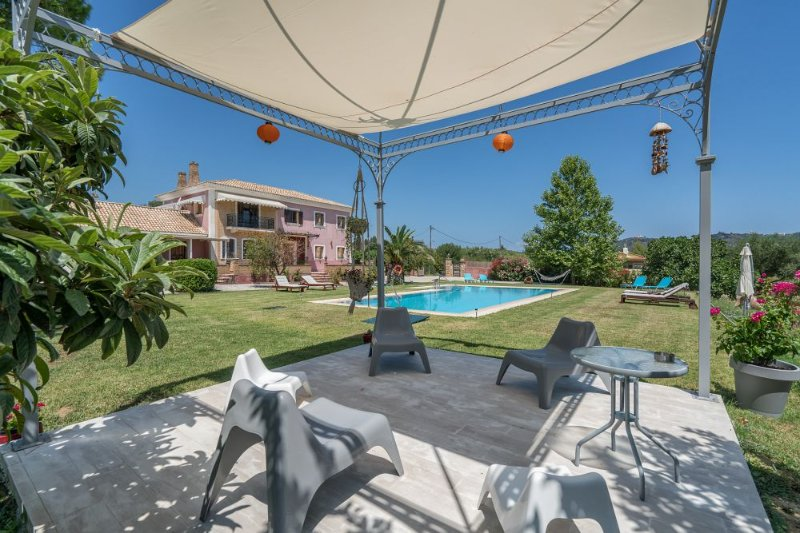 Sarakino House with Private Pool - Image 1 - Agios Dimitrios - rentals