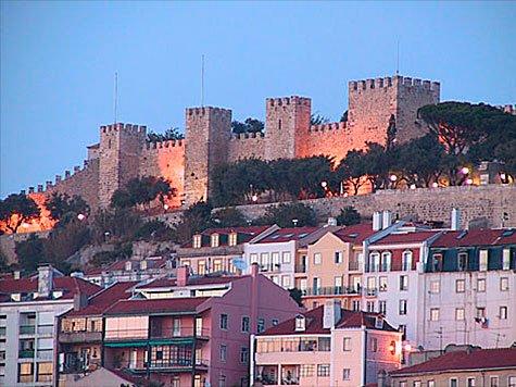 Mouraria/ St. George Castle - Image 1 - Lisbon - rentals