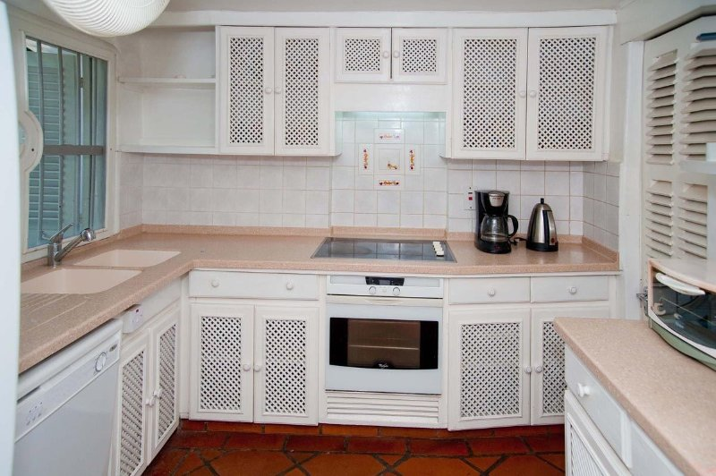 Merlin Bay - Ocean View: Fully outfitted kitchen - Merlin Bay - Ocean View: Tropical Getaway - Saint James - rentals