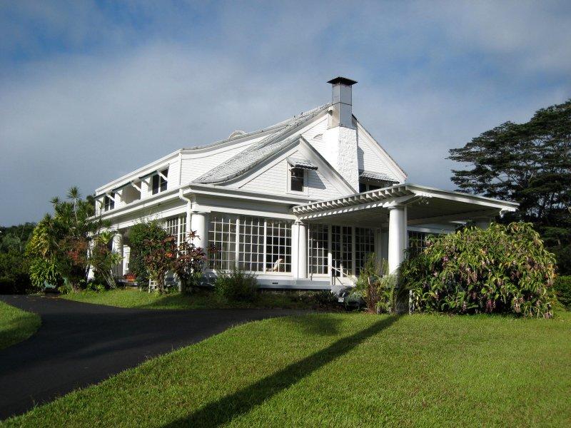 The Hilo House - Grand Victorian Mansion in Hilo - Hilo - rentals