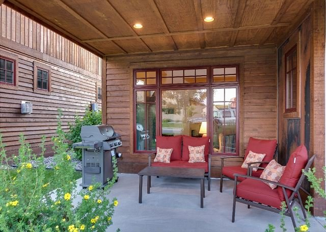 Nice seating area outside for early mornings or evenings grilling.  - Blue Pine Cone - Bozeman - rentals