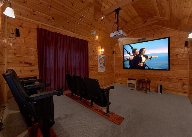 5 bedroom Luxury Cabin with Home Theater Room, Pool Table and Air Hockey - Image 1 - Gatlinburg - rentals