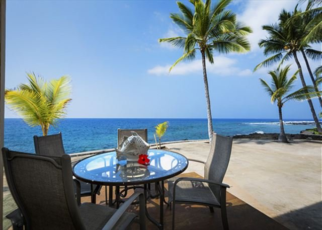 Direct Oceanfront Living !! The Lanai!! - KKSR 185 DIRECT OCEANFRONT TOWNHOME, Wifi, A True Gem - Kailua-Kona - rentals