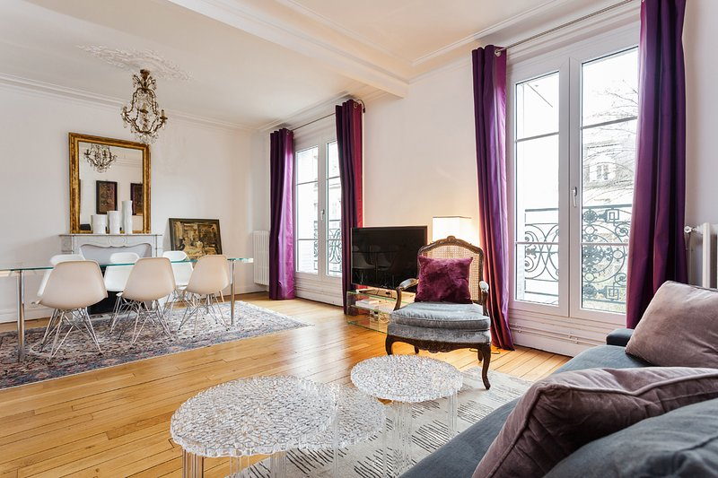 Very chic apartment close to the Sacre-Cœur - Image 1 - Paris - rentals