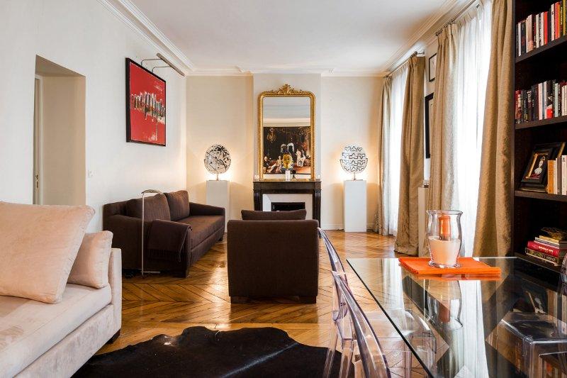 Parisian apartment in Saint-Germain-des-Pres - Image 1 - Paris - rentals
