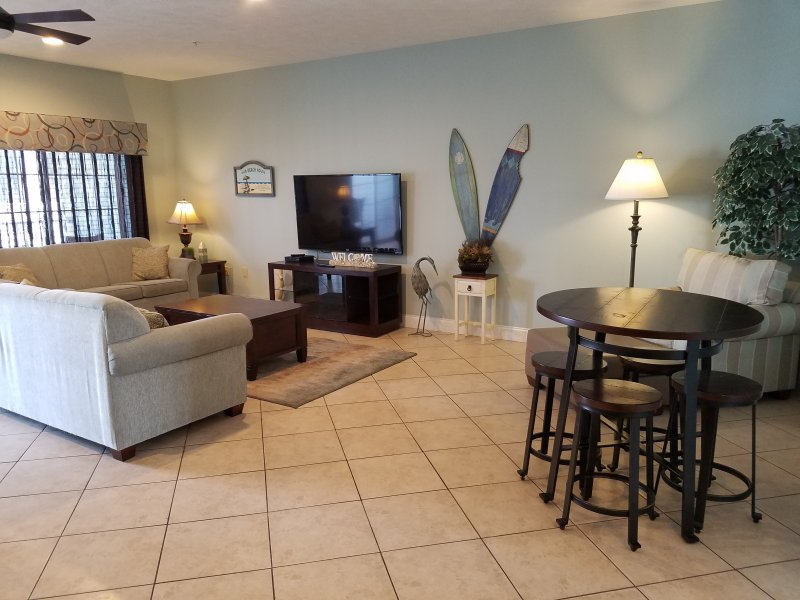 Living Room  - NEW LISTING!  Beautiful 6BR/5Bath Luxury Condo - Myrtle Beach - rentals