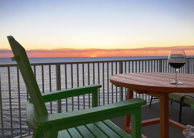 2/2 Top Floor Penthouse, Endless Coastal Beach Views! Free Beach Service! - Image 1 - Panama City Beach - rentals